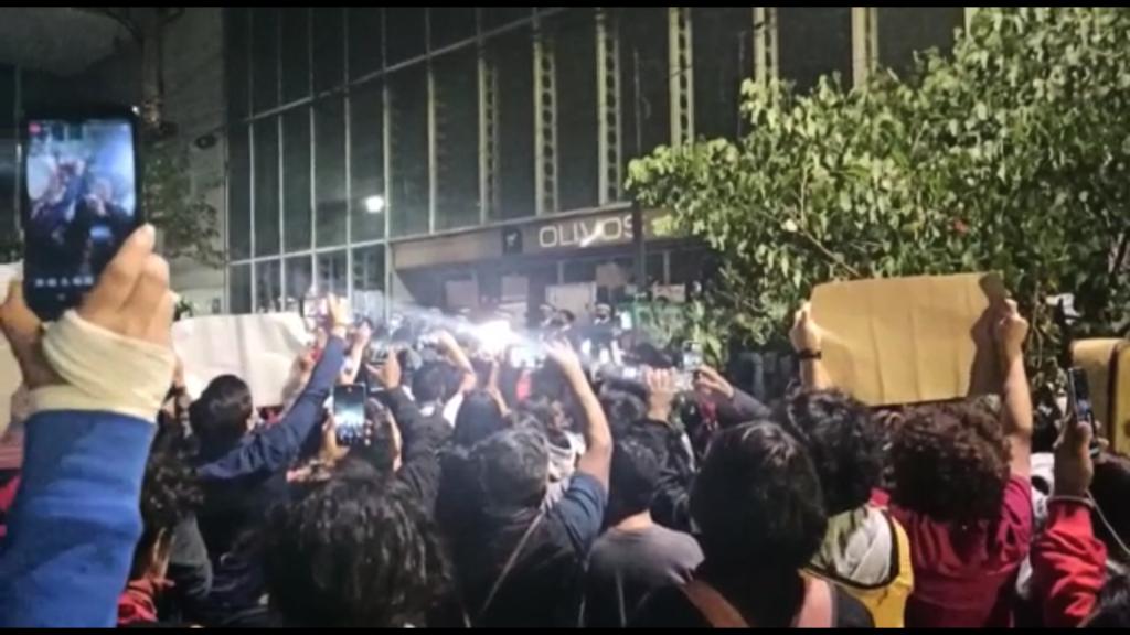 """Marchan bajo la Línea 12 para exigir justicia a víctimas y """"castigo a los asesinos"""" (VIDEO)"""