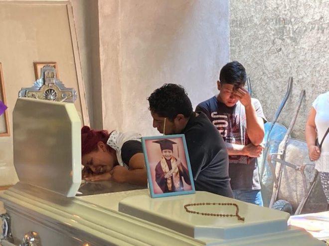 Dan el último adiós a Brandon Giovanny, el niño de 13 años que perdió la vida en colapso de Línea 12