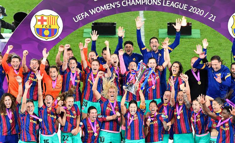Pocos minutos necesitó el poderío ofensivo del Barcelona femenil para consolidarse