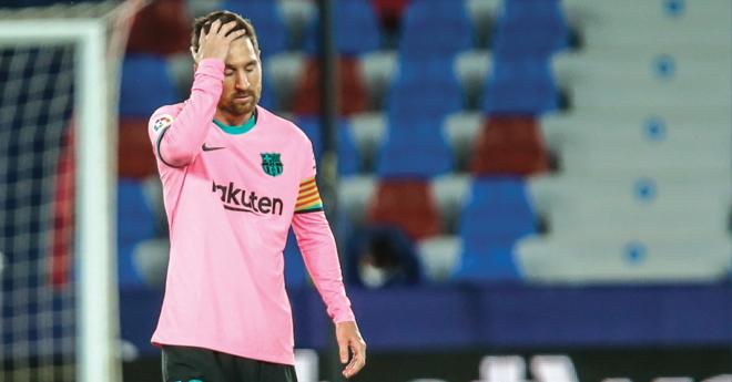 El Barcelona volvió a tropezar y dejó en el campo del Levante buena parte de sus anhelos