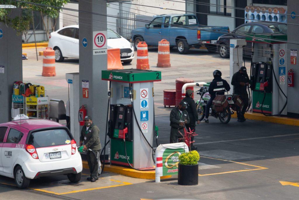Hacienda regresa estímulos fiscales para gasolina Premium y sube los de Magna y diésel