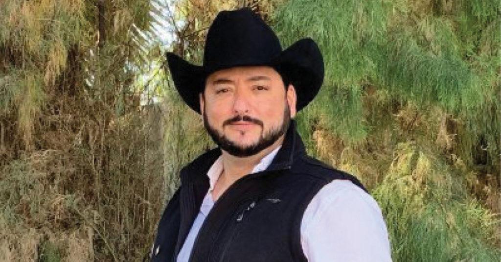 Policías de Fuerza Civil pararon una camioneta del candidato a Pesquería, Chavalo Guajardo.