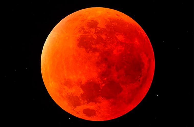 """Te decimos cuándo y cómo ver el próximo eclipse total de """"Luna de Sangre"""" desde México"""