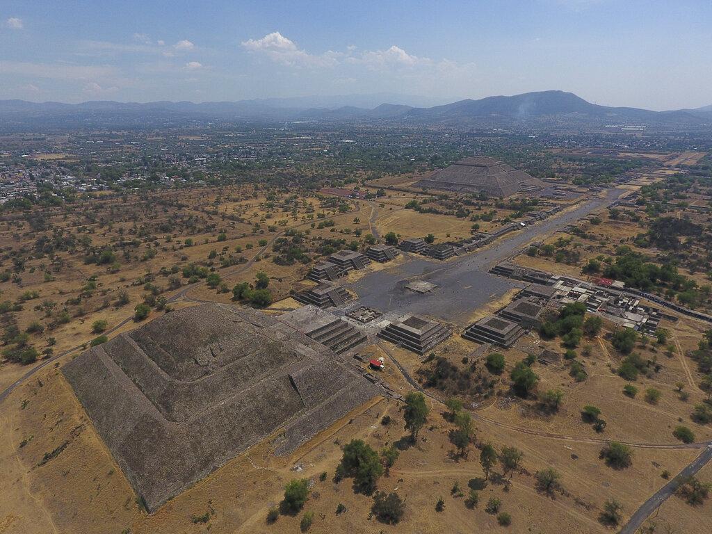 Peligra zona arqueológica de Teotihuacán por construcción de supuesto parque de diversiones