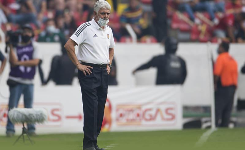 Ricardo Ferretti se despidió como entrenador de Tigres y aseguró haber quedado sorprendido de su salida