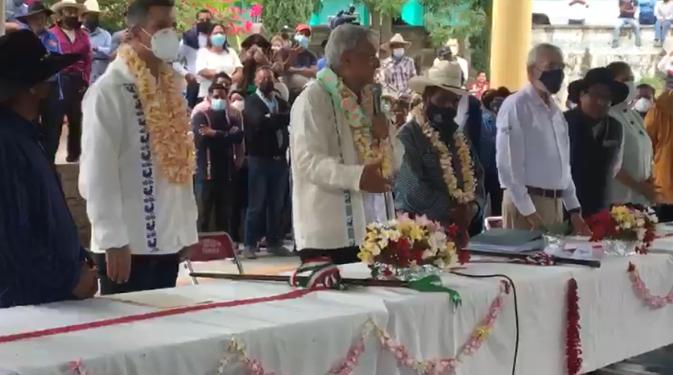 Abrazos, no balazos: AMLO llama a la conciliación de pueblos vecinos en Oaxaca