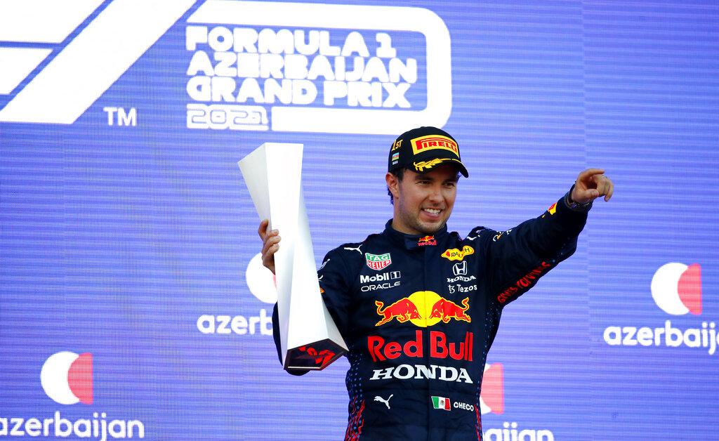 Checo Pérez hace historia y se lleva el Gran Premio de Azerbaiyán