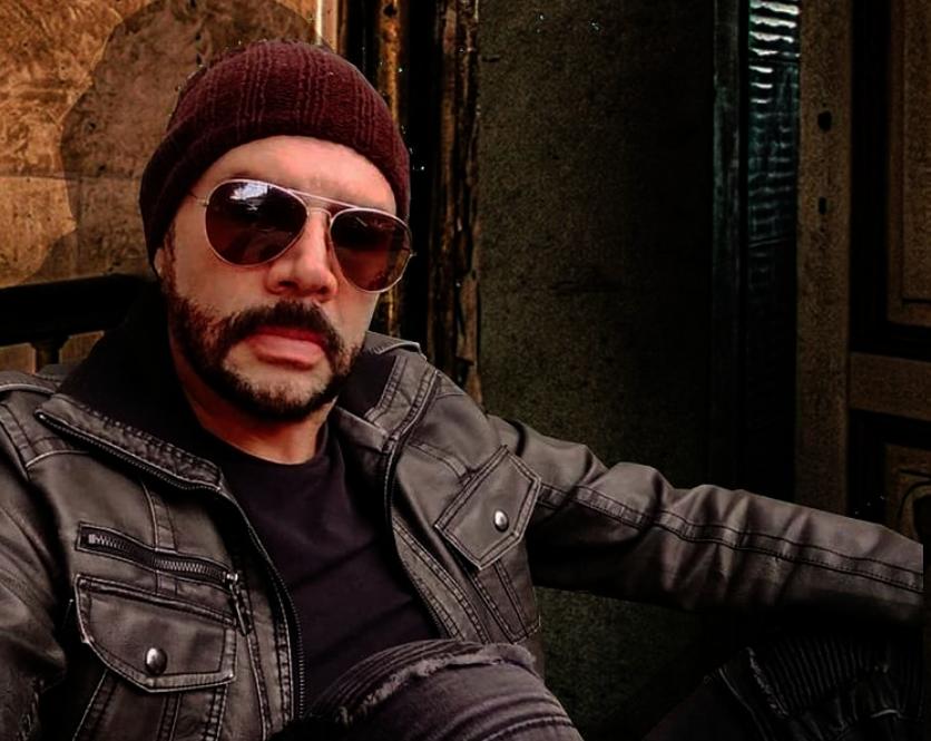 Detienen al actor Héctor Parra presuntamente por haber abusado sexualmente de su hija