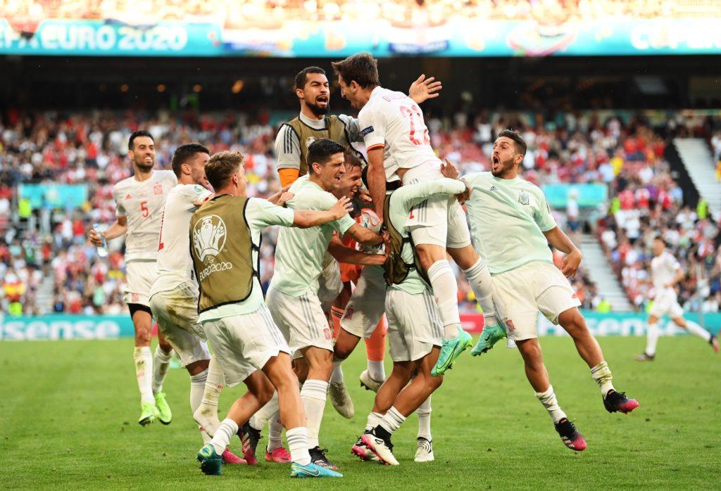 España va a Cuartos tras vencer a Croacia en un juego épico