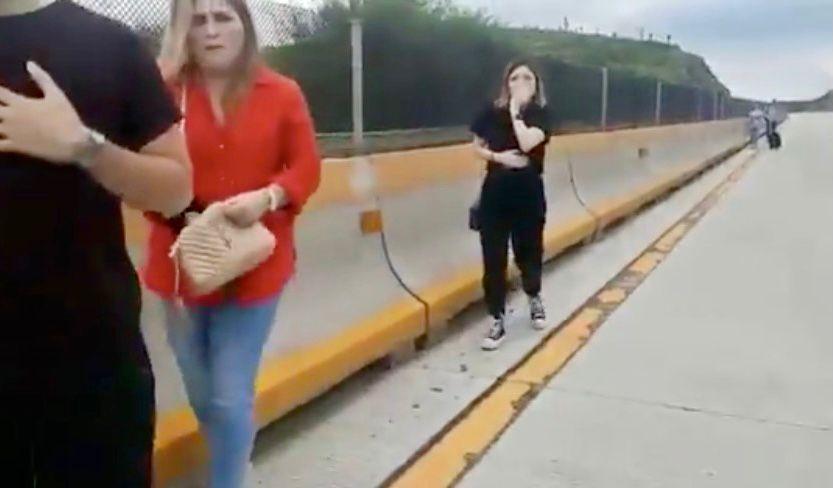 Asaltan, roban camioneta y dejan varados en la calle a integrantes de familia en autopista a Laredo