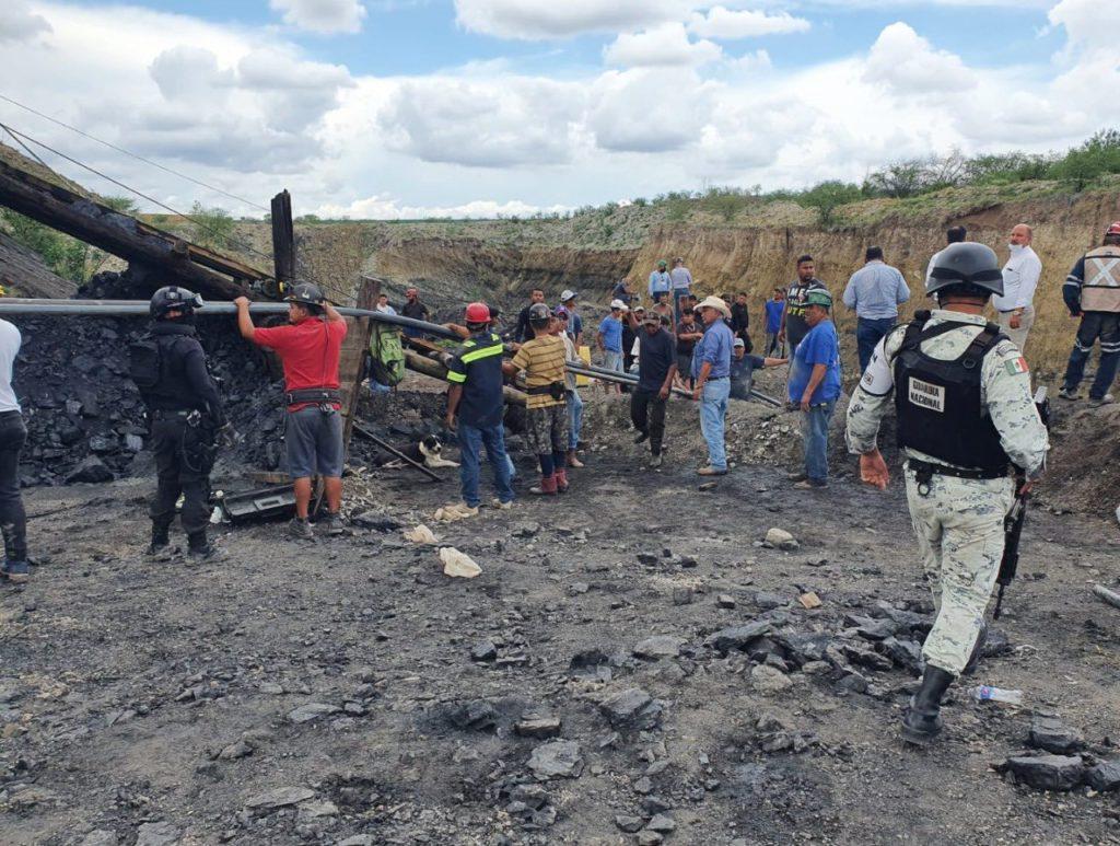 """Ordena AMLO a gabinete apoyar en recate de mineros en Múzquiz; """"Deseamos sea favorable"""""""
