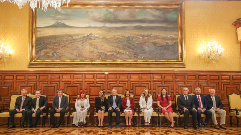 AMLO come en Palacio Nacional con las y los gobernadores electos de Morena