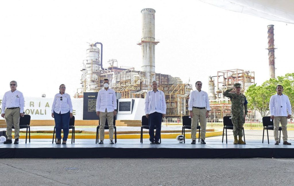 AMLO revela sabotaje en refinería de Salina Cruz, Oaxaca; cortaron el sistema eléctrico