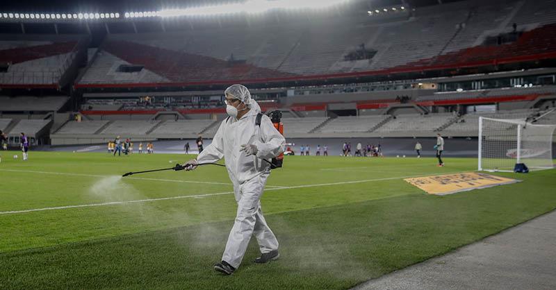 Jair Bolsonaro, presidente de Brasil, insistió que la Copa América se puede disputar este mes en su país pese a la crisis por la pandemia