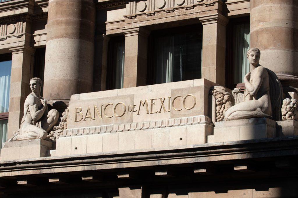 Banxico se une a pronósticos positivos: calcula crecimiento de hasta 7% en México