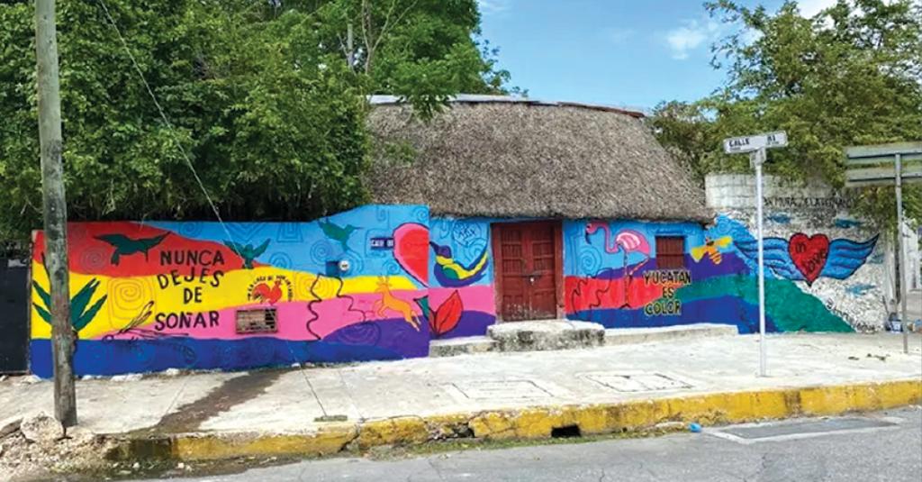 El artista Enrique Chiu deja su huella en Yucatán a través de un nuevo mural que uno fronteras