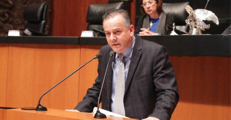 El senador Gerardo Novelo Osuna busca integrar la perspectiva de género en las instituciones