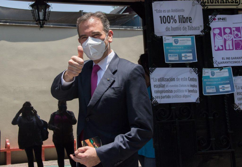Lorenzo Córdova responde a Mario Delgado: Consulta (contra expresidentes) será exitosa