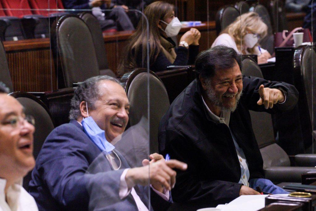 Critican a Noroña por felicitar a Mier como coordinador de Morena sin ser aún electo