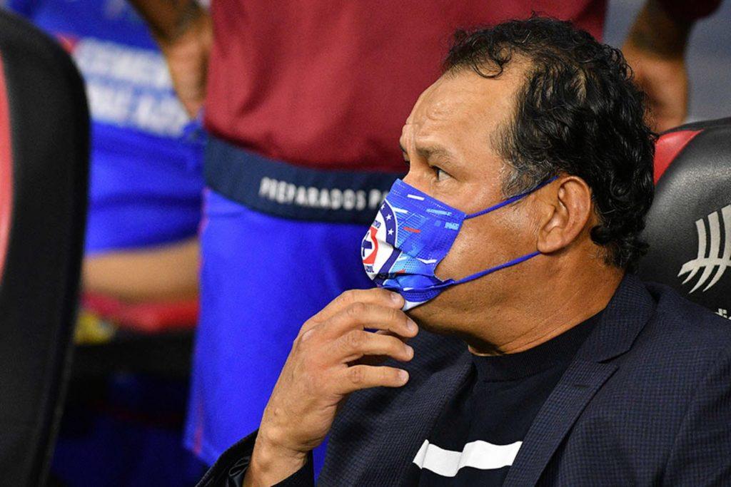 """Corona revela regaño de Reynoso en final; nos dijo """"si queríamos quedar como pendejos"""""""