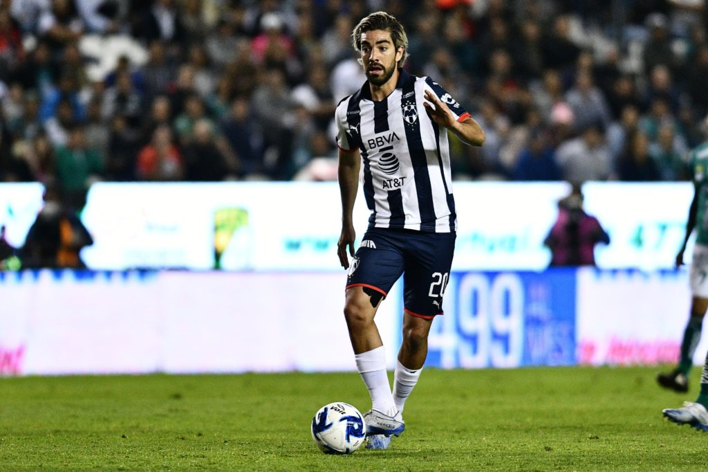 Primero Héctor Moreno, ahora suena Rodolfo Pizarro para reforzar a Rayados de Aguirre
