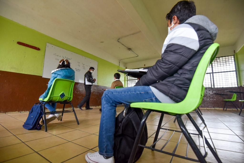 Reportan 3 casos más de COVID en estudiantes que volvieron a escuelas en CDMX