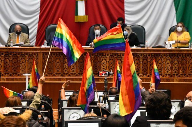 Edomex aprueba Ley de Identidad de Género