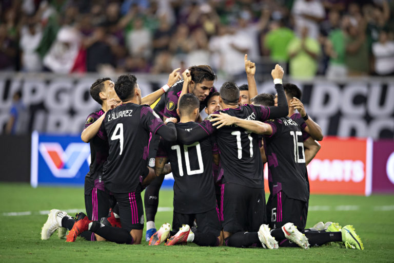 México, a la final de la Copa Oro; sufrido triunfo dedicado a 'Zizinho'
