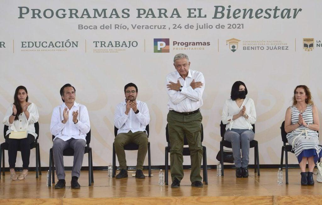 La contramañanera del PAN: 'Nos tocó un presidente ignorante en medio de la pandemia'