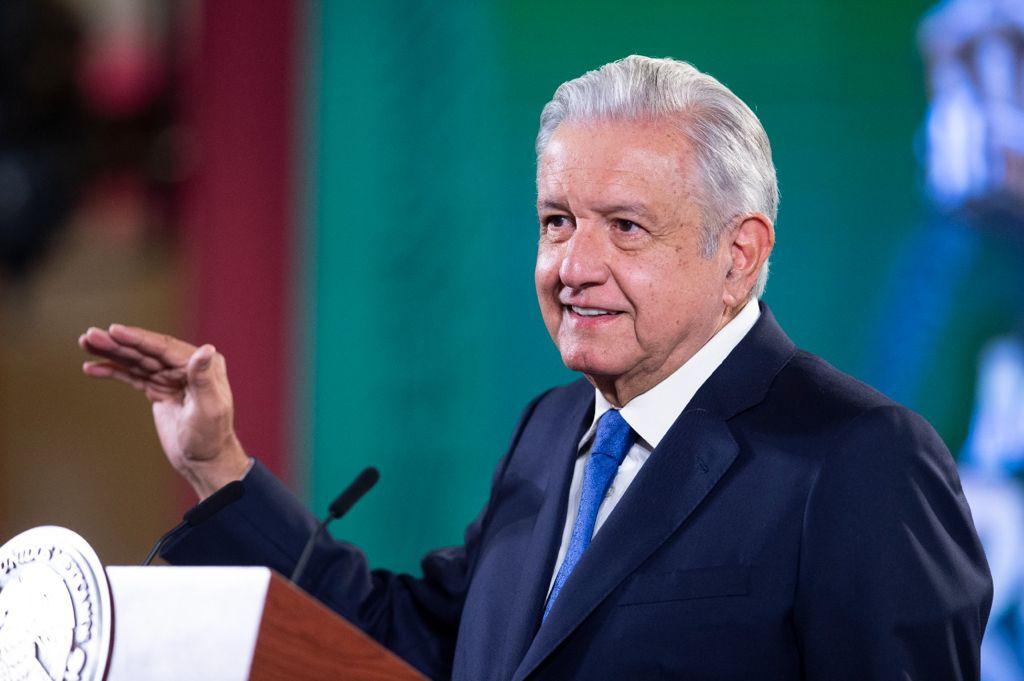 AMLO se pronuncia por multas a Samuel García y el Verde: 'INE no hace bien las cosas'