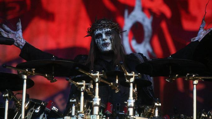 Joey Jordison, baterista fundador de Slipknot, falleció mientras dormía pacíficamente en casa
