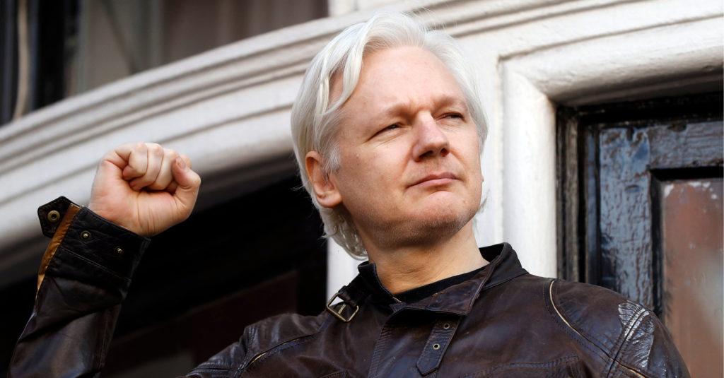 Julian Assange, a quien el lunes pasado un tribunal ecuatoriano le quitó la nacionalidad