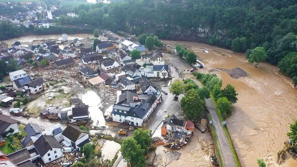 Cae diluvio sobre Europa: lluvias e inundaciones han dejado 40 personas muertas (VIDEO)