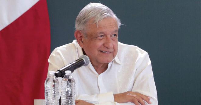 El presidente López Obrador oficializó la Ley de la Industria Eléctrica tras su publicación en el Diario Oficial de la Federación el 9 de marzo de 2021.