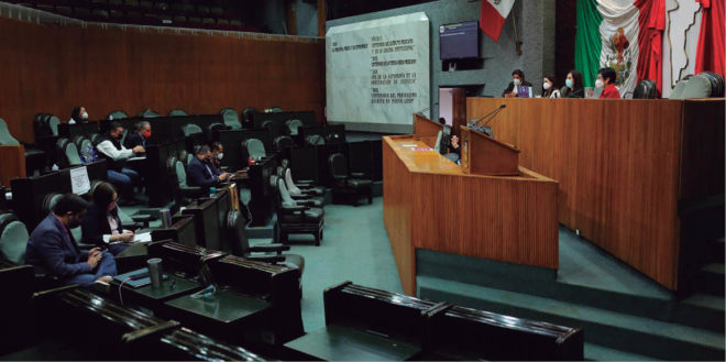 Las Comisiones Unidas de Puntos Constitucionales y Legislación aprobaron la revocación de mandato para gobernador
