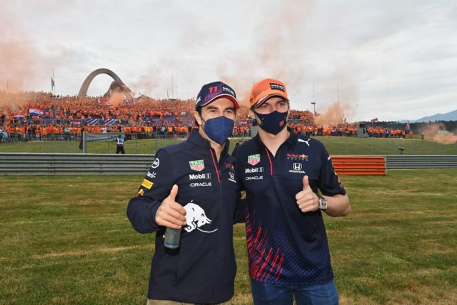 Checo Pérez y Max