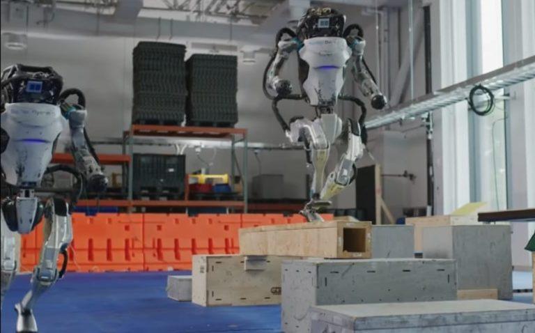 Compañía sorprende al crear increíbles robots que pueden hacer parkour; así lucen (VIDEO)