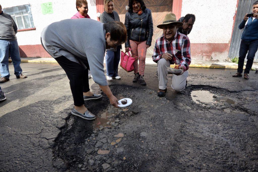 Este es plan de AMLO para reparar los baches de las 100 principales ciudades del país