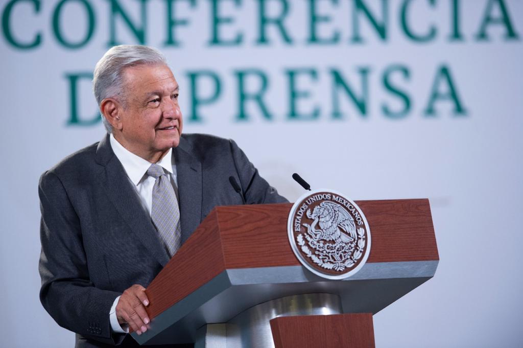 AMLO critica a Osorio Chong y Vázquez Mota por frenar ley de revocación de mandato