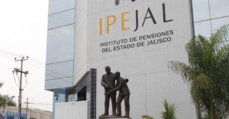 El gobernador Enrique Alfaro y su partido en el Congreso local perfilan esta semana una reforma para establecer un tope al Instituto de Pensiones