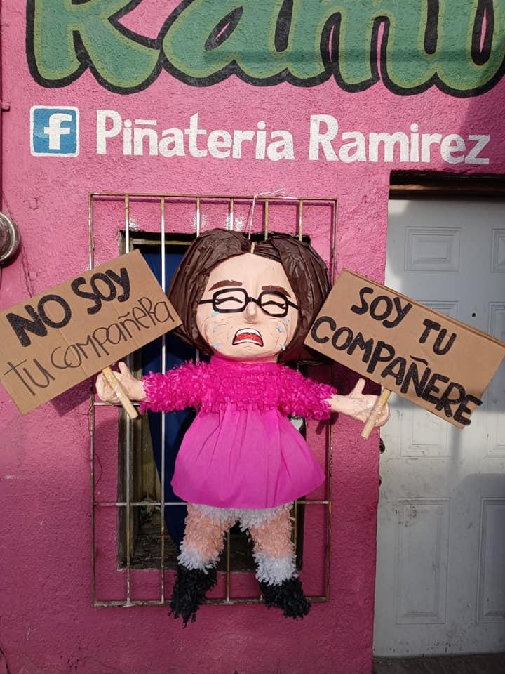 """Crean polémica piñata de """"compañere"""" y desatan críticas en redes sociales"""