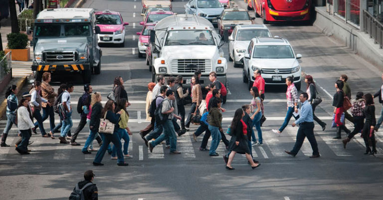 El Día del Peatón busca promover la seguridad vial para reducir muertes