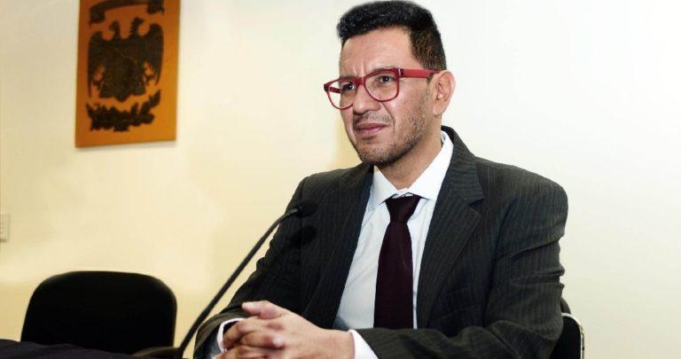 """""""Fui imprudente e irreflexivo"""", académico de UNAM se disculpa por decir que feminicidio es amor"""