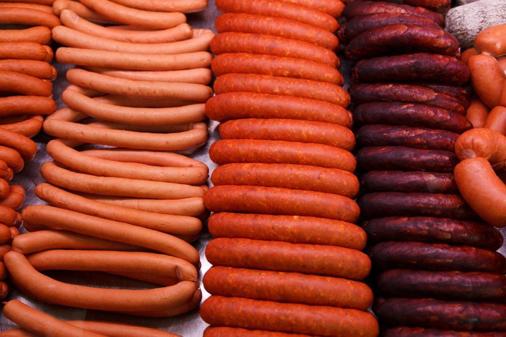 ¿De qué están hechas realmente las salchichas que venden en México?