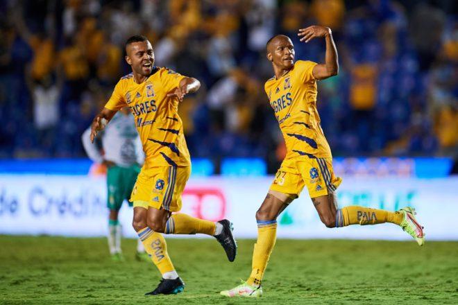 Rayados recibe a Tigres en una edición más del Clásico Regio.