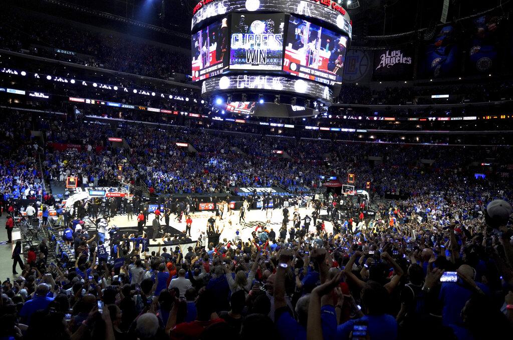 La NBA se la pone 'fácil' a sus jugadores: se vacunan o pruebas frecuentes