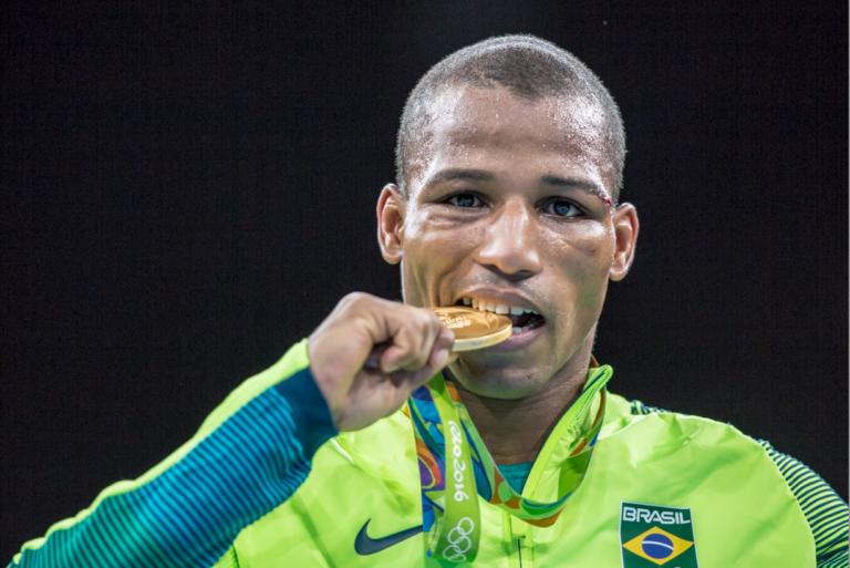 Robson Conceição llamó 'Corrupto' al boxeo.