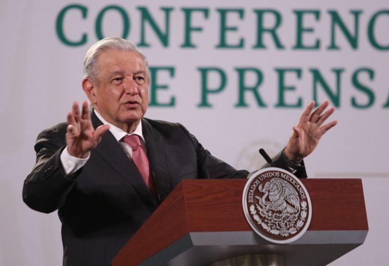 AMLO defiende desaparición del Fonden ante críticas de oposición: 'Era barril sin fondo'
