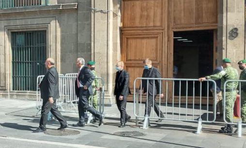 AMLO recibe en Palacio Nacional al nuncio apostólico en México, Franco Coppola