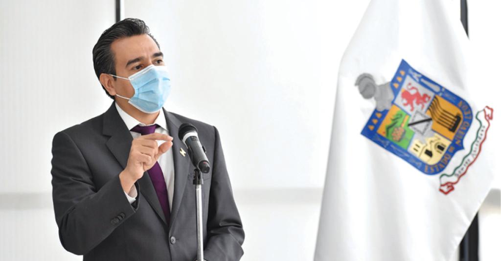 Eduardo Gaona exhibe que su cargo de coordinador de MC le está quedando grande